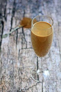 Likier z kawy Inki Non Alcoholic Drinks, Beverages, Irish Cream, White Wine, Tea Time, Liquor, Cooking Recipes, Coffee, Glass