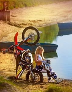 I think thats the same bike from that Motocade dirt bike site