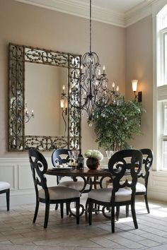 If you are looking for Luxurious Small Dining Room Decorating Ideas, You come to the right place. Below are the Luxurious Small Dining Room De. Dining Room Sets, Dining Room Wall Decor, Luxury Dining Room, Elegant Dining Room, Dining Room Table, Room Decor, Small Round Kitchen Table, Small Dining, Round Dining