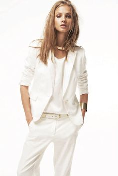 White suit. #Style #Chic #Fashion #Beauty #Summer #Gold