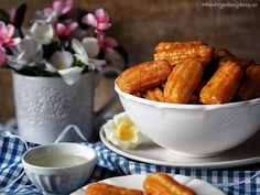 Tolumbichki Bulgarian Recipes, Bulgarian Food, Pretzel Bites, Chicken Wings, Bread, Sweet, Desserts, Cakes, Candy
