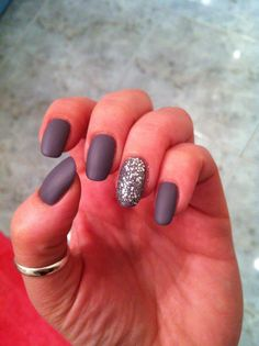 mat grey nails 😍