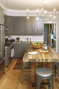 You don't need a lot of space to create a great kitchen. This gallery features many great small kitchen design ideas. While most small kitchen designs are used for apartments and condominiums, they can also be excellent for small homes… Continue Reading → Small Kitchen Tables, Kitchen Island Table, Small Space Kitchen, Little Kitchen, Kitchen Dining, Kitchen Decor, Small Spaces, Kitchen Pass, Smaller Kitchen Ideas