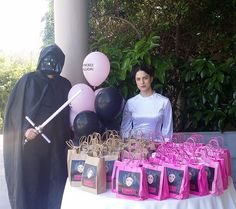 Heroes offering gifts ! Delfinakia Star Wars Party, Gifts, Presents, Favors, Gift