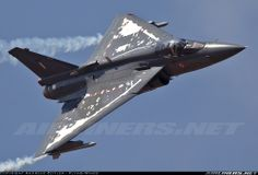 Su-30MKI Vs. LCA Tejas-Two Best Fighters in Indian Airforce