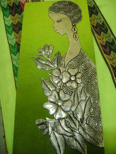 cuadro decorativo con repujado en lámina de aluminio