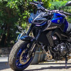 TVS and Yamaha has announced extended free service and warranty for its customers in India. These companies has taken this step as a relief measures amid the prevailing situation. Yamaha Motorcycles, Yamaha Yzf R1, Mt 09 Yamaha, Motogp Valentino Rossi, Motorcross Bike, Hulk Art, Ktm 690, Harley D, Moto Bike