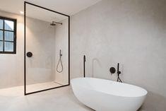 Minimalist Apartment, Minimalist Bathroom, Modern Bathroom, Bathroom Design Inspiration, Bathroom Interior Design, Glass Bathroom, Bathroom Renos, Decoration, White Houses