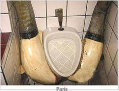 Los baños públicos más curiosos del mundo. Strange #bathrooms #design bathrooms #humor