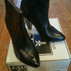 Black Leather Frye Booties Worn only 3x Soft leather Frye Shoes Ankle Boots & Booties