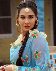 Beautiful & Hottest Punjabi Actresses That You Hardly Know - ScoopNow Punjabi Hairstyles, Girl Hairstyles, Punjabi Girls, Punjabi Suits, Punjabi Couple, Punjabi Fashion, Indian Fashion, Women's Fashion, Patiala