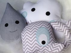 Baleinha! Sewing Toys, Baby Sewing, Funny Pillows, Kit Bebe, Baby Presents, Nursery Room, Softies, Diy And Crafts, Hello Kitty