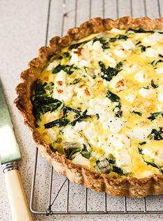 leek, silverbeet and feta quiche…these things also happen to make up the contents of my fridge currently PERFECT Quiches, Vegetarian Recipes, Cooking Recipes, Vegetarian Cooking, Savory Tart, Savoury Pies, C'est Bon, Food Inspiration, Feta
