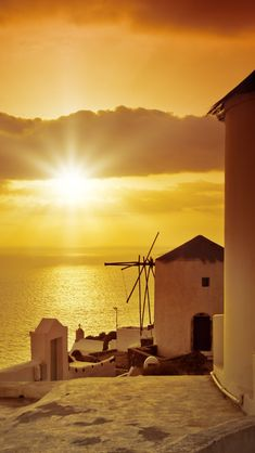 Golden Sunset in Oia, Santorini
