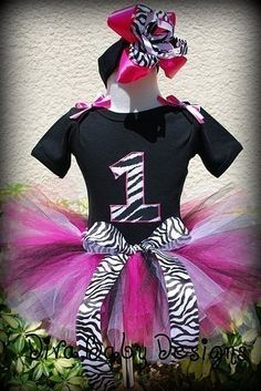 Either a Rhinestone number 3 or zebra print fabric number (aka Julie & Sally project) 1 Year Old Birthday Party, 4th Birthday Parties, Birthday Fun, Birthday Ideas, Zebra Birthday, Paris Birthday, Pink Zebra, Baby Girl First Birthday, Party