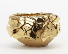 Gold | ゴールド | Gōrudo | Gylden | Oro | Metal | Metallic | Shape | Texture | Form | Composition | Takuro Kuwata Bowl, 2014