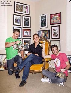 Stephen Amell, Greg Berlanti & Grant Gustin