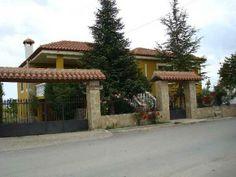 MURCIA, ARCHIVEL. Casas Noguericas, son 5 casas independientes de 2, 4 y 8 plazas con un total de doce dormitorios, todos ellos con baño. Además cuentan con terraza amueblada, piscina y jardín con barbacoa. Situado en las afueras del pueblo, en una zona de huerta y montaña, a 16 Km. de #Caravaca_de_la_Cruz y a una hora de las #playas_de_Águilas y #Mazarrón.   #Bicicletas disponibles. http://www.fotoalquiler.com/casanoguericas