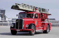 ▐ ○ Saurer N4C Feuerwehr mit Magirus-Leiter; •1♥25-11-2020•