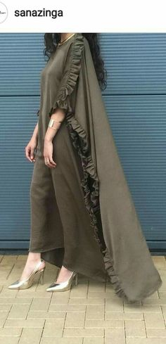 Wear it with a waspie Islamic Fashion, Muslim Fashion, Modest Fashion, Fashion Dresses, Mode Abaya, Mode Hijab, Pakistani Dresses, Indian Dresses, Abaya Fashion
