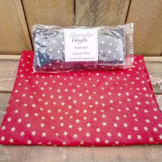 These scented gifts can be popped in a drawer to keep clothes fresh and moths at bay or popped under a pillow or by the bedside to aid restful sleep.   Fabric patterns and colours vary - please visit my website for the latest fabric choices   #HandmadeInMyKitchen #ForTheLoveOfLavender #LavenderCraftsKilcoole #LavenderCrafts #HandmadeInKilcoole #AllNaturalIngredients #EcoFriendly #PalmOilFree