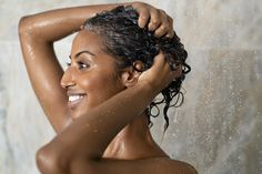 Healthy, long and lustrous hair, especially for women is so attractive. However, achieving this can prove to be quite cumbersome as we all have different hair texture and curls. How do you get to keep your hair softer and healthy? Shampooing Sans Sulfate, How To Dye Hair At Home, Homemade Hair Treatments, Brittle Hair, Dry Scalp, Shower Routine, Moisturize Hair, Strong Hair, Hair Health