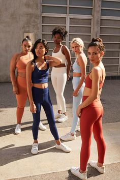 Sustainable Athleisure Brands on Our Radar: Girlfriend Collective and ADAY There's a disconnect between our health-conscious lifestyles and the toxic, non-sustainable workout gear we reach for each day. Look Athleisure, Athleisure Outfits, Sporty Outfits, Athletic Outfits, Athletic Wear, Athletic Clothes, Athletic Fashion, Athletic Style, Athleisure Fashion