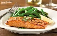 Longhorn Steakhouse Copycat Recipes: Sweet Bourbon Salmon - made this August 2013 - sauce was really good! Salmon Recipes, Fish Recipes, Seafood Recipes, Healthy Low Calorie Meals, Healthy Recipes, Paleo Food, Healthy Food, Healthy Eating, Seafood