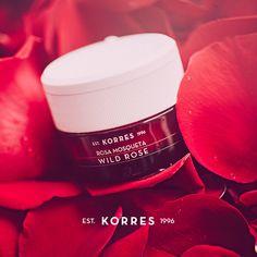 Conheça as duas versões do Creme hidratante iluminador Wild Rose, para peles secas e normais ou oleosas e mistas. Ambas contêm Rosa Mosqueta e Imperata Cylindrica, planta nativa do deserto, que contribui para o equilíbrio contínuo de água nas células. Hidratação por 24 horas. Por apenas: R$89,00. Visite nossa loja online: www.korres.com. #ChegouKorres #ABelezaNasceuNaGrécia
