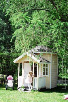 Leikkimökki \playhouse