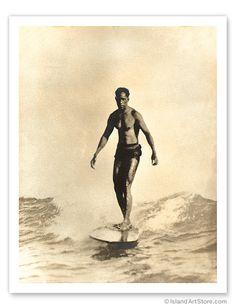Duke Kahanamoku, Godfather of surf Kite Surf, Surf Art, Vintage Surfing, Photos Originales, Hawaii Surf, Hawaii Life, Surfing Pictures, Vintage Hawaiian, Aloha Vintage