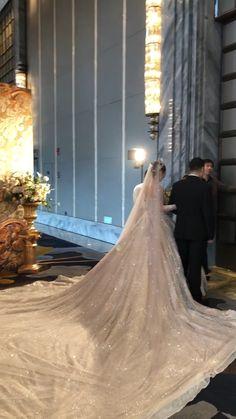 6 Beautiful Wedding Dress Trends in 2020 Extravagant Wedding Dresses, Gorgeous Wedding Dress, Princess Wedding Dresses, Dream Wedding Dresses, Bridal Dresses, Wedding Gowns, Popular Wedding Dresses, Luxury Wedding Dress, Ball Gowns