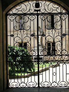 Courtyard, Hospice, Beaune, Burgundy   ..rh