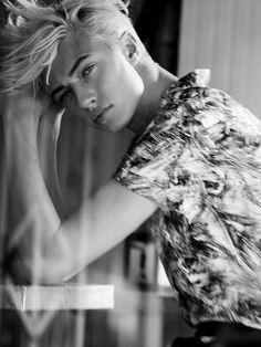 Lucky B Smith Lucky Blue Smith, Pyper America Smith, Beautiful Men, Beautiful People, Yves Saint Laurent, Androgynous Look, Male Beauty, Mannequins, Belle Photo