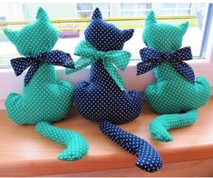 como hacer un molde de gato Ideas de Manualidades cute food diy garten witzig Sewing Toys, Sewing Crafts, Sewing Projects, Cat Crafts, Diy And Crafts, Homemade Stuffed Animals, Cat Pillow, Creation Couture, Doll Tutorial