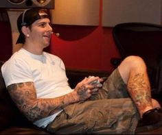 Avenged Sevenfold  M. Shadows - Vocalist. Just like a regular guy- video games