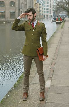 Holdall & Co Leather Folio | Wartime (by Adrian Cano) | LOOKBOOK.nu