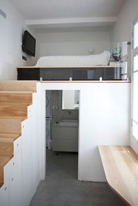 Mezzanine bedroom, accessible by fold away ladder. Bathroom ...