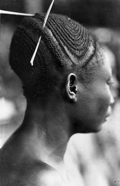 "Africa | Mangbetu woman. Belgian Congo | Vintage postcard; photographer Casimir Zagouski ~ No. 160 from the 1st series ""Afrique qui Disparait"""