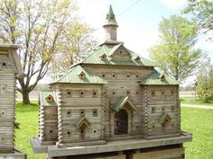 I'd love to have the skill to build an extreme birdhouse like this one day!