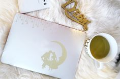 Create Your Own Laptop Decal (Silhouette) Silhouette Projects, Silhouette Design, Gold Sheets, Oracal Vinyl, Vinyl Sheets, Silhouette Machine, Glitter Vinyl, Cricut Vinyl, Laptop Decal