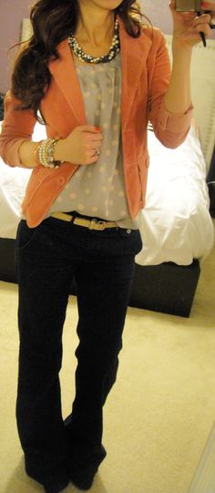 bright blazer + sparkly chunky baubles + trouser jeans LOVE the pants! Work Fashion, Fashion Outfits, Womens Fashion, Gq Fashion, Looks Style, My Style, Fashion Designer, Up Girl, Work Attire