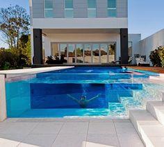 Decor Salteado - Blog de Decoração e Arquitetura : Piscinas de Vidro - modernidade e sofisticação em ambientes externos e internos!