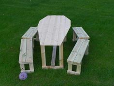 Coffin-shaped table for the yard. Totally will have to get the WIZ to do this for me next year!