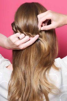 Half Ponytail DIY - Hair How-To, Easy Hairstyles