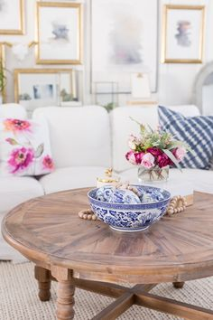 Hello friends. A couple of days ago I shared our Spring home tour. You can see it here if you missed it. Today I'm joining another group of talented bloggers as we bring you different ideas on ho...