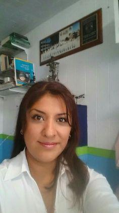 Gina Barajas Hermosa!