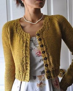 Fall m.e Fitted cardigan, lovely neckline, and pearls sweater pattern on Ravelry: hapichick's Fall m.eFitted cardigan, lovely neckline, and pearls sweater pattern on Ravelry: hapichick's Fall m. Knitting Patterns Free, Knit Patterns, Free Knitting, Free Pattern, Knitting Sweaters, Vintage Knitting, Pulls, Knitting Projects, Knitwear
