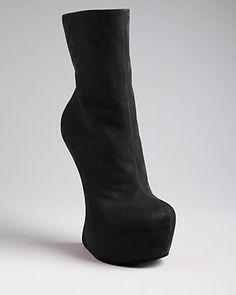 Giuseppe Zanotti Boots - Cristy Sculptural ... ❤❤❤