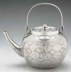 Japanese Silver Tea Kettle / TAISHO PERIOD (EARLY 20TH CENTURY) / Christie's by geneva